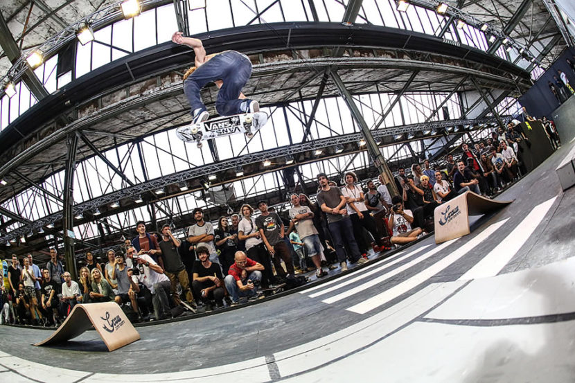 Graw Jump Ramps at Bright 2016 in Berlin with the longest ollie competition event