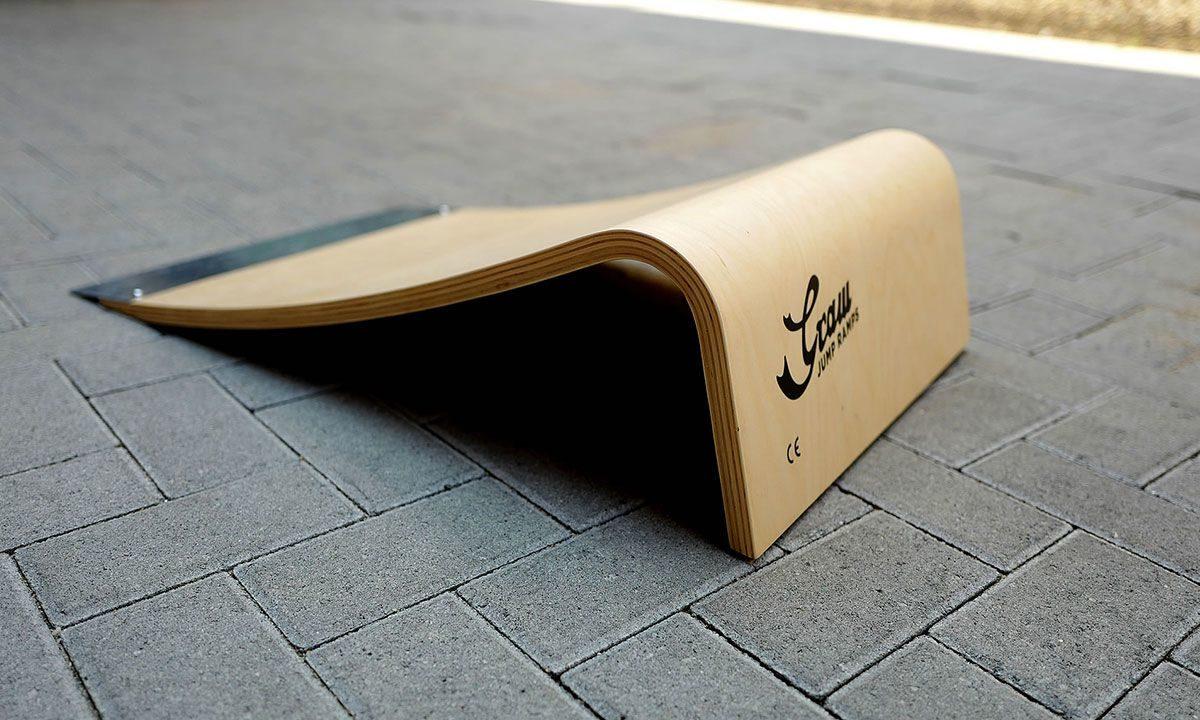 Graw Jump Skateboard Ramp